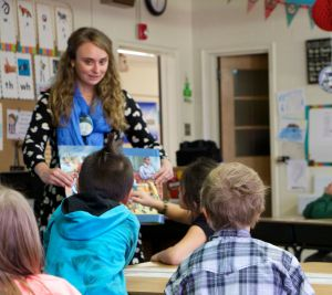 Smithsonian Educators Visit Mountain View Elementary